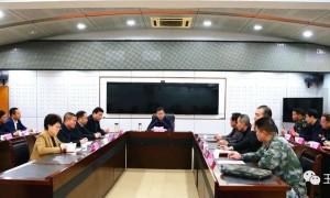 县委书记郑国良与县四套班子领导及其他在职县级领导谈心谈话时就严肃换届纪律提出要求